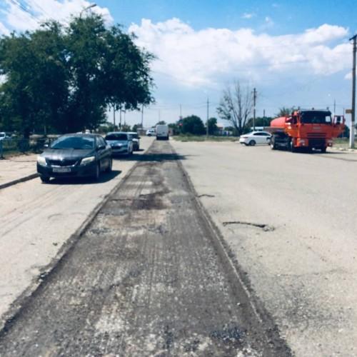 Начался ремонт проезжей части по улице Пушкина в селе Троицкое