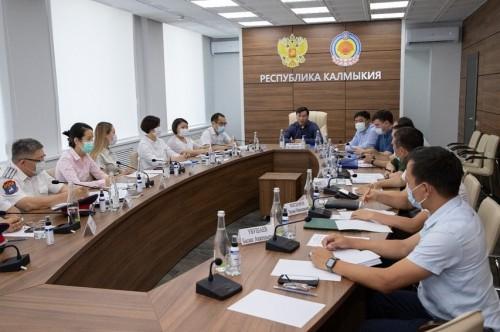 Глава Калмыкии Бату Хасиков провел совещание по вопросу создания мобилизационного резерва в регионе