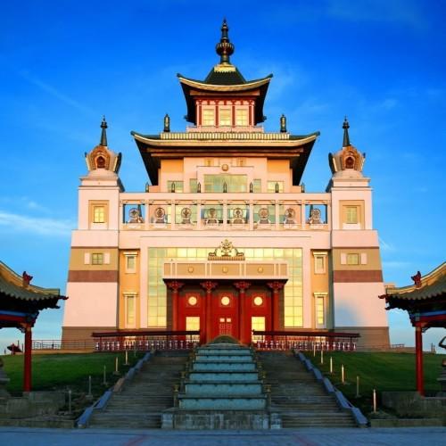 Сегодня в 12 часов буддийский учитель Еше Лодой Ринпоче проведёт онлайн благословение – дженанг Манджушри