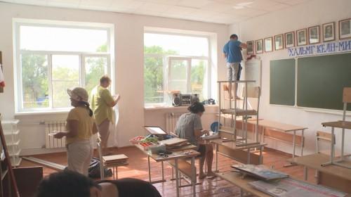 В Яшалтинском районе идет капитальный ремонт школ
