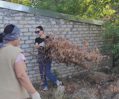 Субботник провели жители Яшалтинского района
