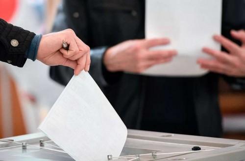 В Элисте участковые комиссии получают бюллетени для голосования на выборах депутатов Госдумы 8 созыва