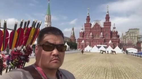 Сегодня калмыцкий конный лучник Хонгр Уладаев выступит в турнире на Красной Площади