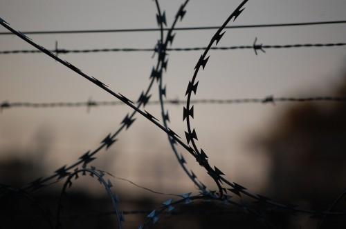 Насильнику, напавшему на несовершеннолетнюю девочку, предъявлено обвинение