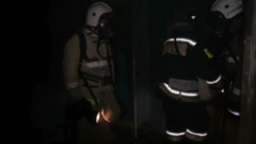 Пожарные МЧС Калмыкии спасли ребёнка из горящей квартиры