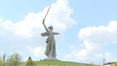 Сегодня - 54 года со дня открытия Мамаева Кургана в Волгограде