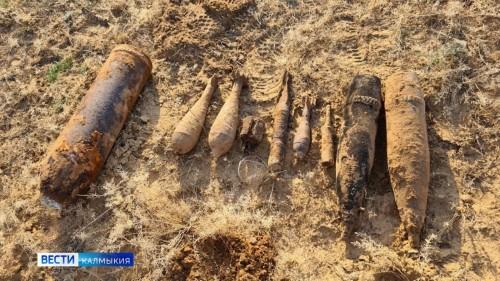 Боеприпасы времен Великой Отечественной войны обнаружены на песчаных выдувах вблизи Хулхуты