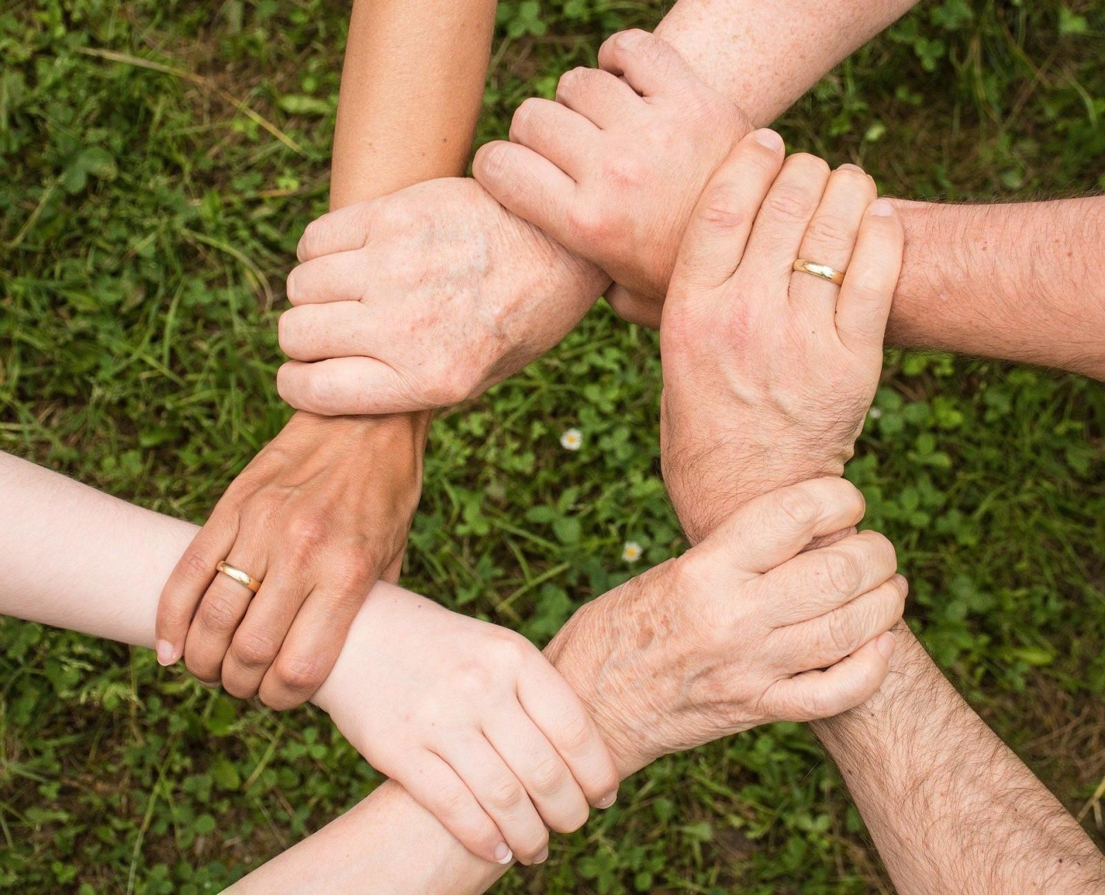 Сегодня во всех общеобразовательных организациях республики пройдёт всероссийская акция «Вместе всей семьёй»