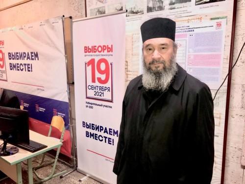 В первый день голосования свой голос отдал Владыка Юстиниан
