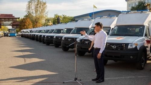 В республике проводится последовательная работа по обновлению автопарка скорой помощи и школьных автобусов