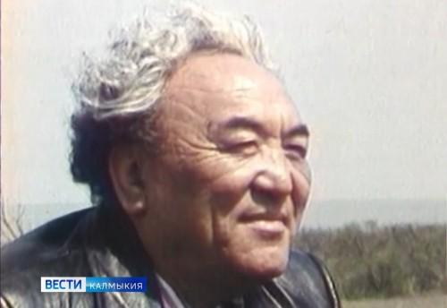 Началась подготовка к 100-летнему юбилею Давида Кугультинова