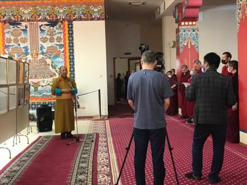 Развитие буддизма в Калмыкии. В Центральном хуруле «Золотая обитель Будды Шакьямуни» открылась фотовыставка