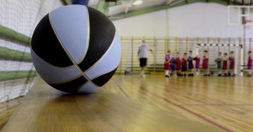 В Северной школе Лаганского района полным ходом идет ремонт спортивного зала
