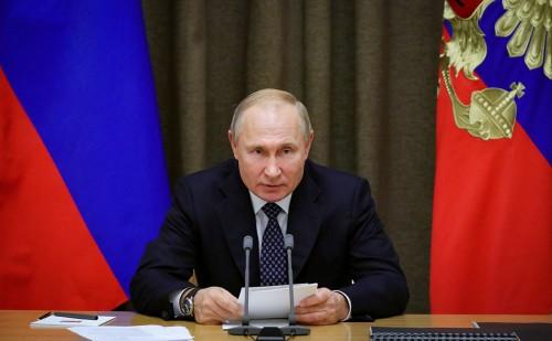 Президент России объявил о продлении нерабочих дней до 30 апреля с сохранением заработной платы