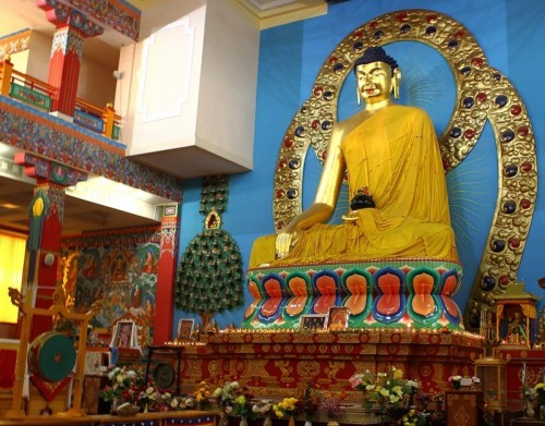 Сегодня в Центральном хуруле «Золотая обитель Будды Шакьямуни» пройдет ритуал Кангсо