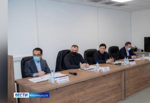 Глава Калмыкии взял под личный контроль реализацию региональной программы модернизации первичного звена здравоохранени