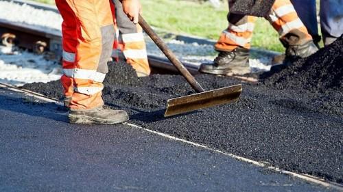 В Городовиковском районе обновляются дороги
