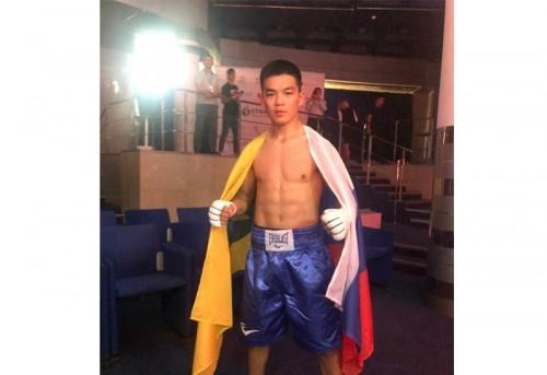 Боксер Чингиз Натыров одержал уверенную победу в первом профессиональном бою