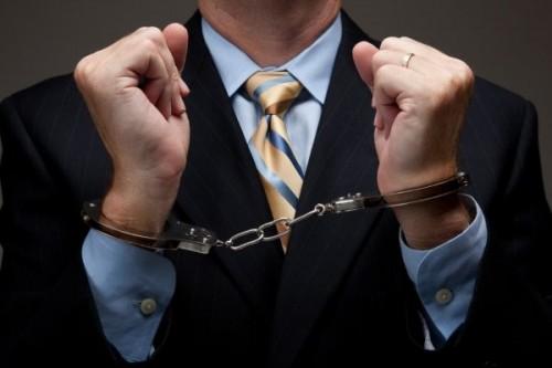 Экс-директор бюджетного учреждения «Элиста-Автодор» предстанет перед судом