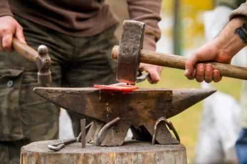 Завершается строительство кочевого поселения на территории экостоянки «Шатта»