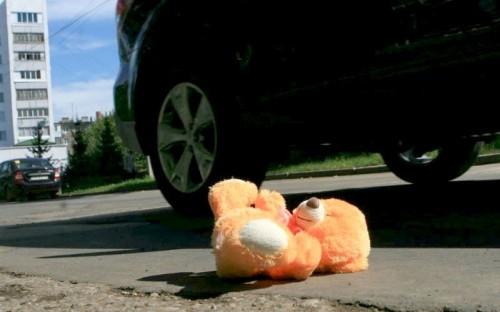 В результате наезда автомобиля в Элисте пострадал несовершеннолетний пешеход