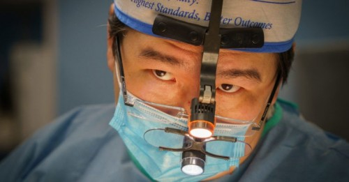 В Лаганской ЦРБ в эти дни работает наш земляк, известный российский хирург-онколог Бадма Башанкаев