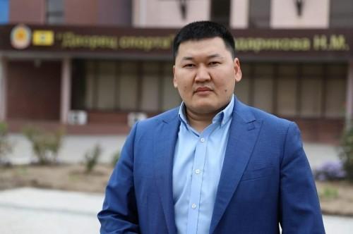 Глава Калмыкии представил нового министра спорта и молодежной политики Константина Батырова