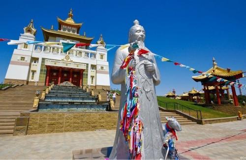 Хурул  «Золотая обитель Будды Шакьямуни» отмечает 15-летний юбилей