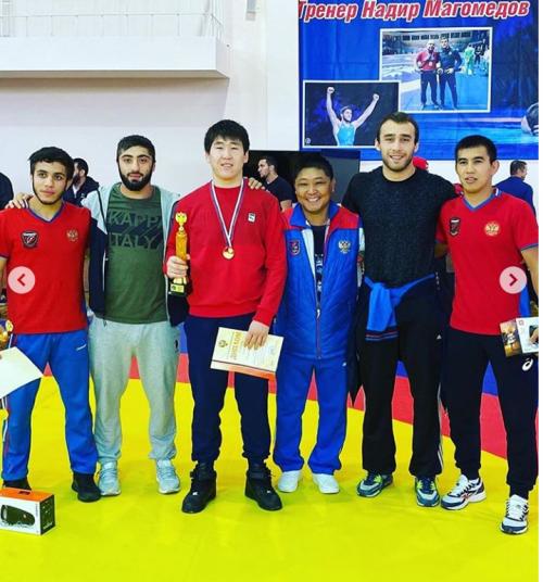 Воспитанник калмыцкой школы борьбы  стал победителем Первенства России среди юниоров