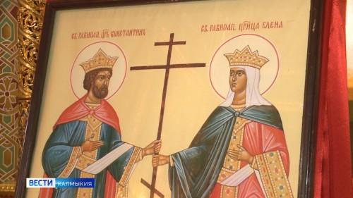 В Казанский кафедральный собор доставили мощи Святых равноапостольных царя Константина и царицы Елены