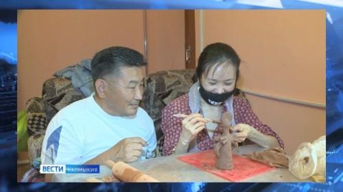 Жители Калмыкии с ограниченными возможностями здоровья выражают себя в творчестве