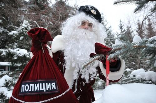«Полицейский Дед Мороз». В рамках ежегодной Всероссийской акции, в региональном МВД запланирован ряд праздничных мероприятий