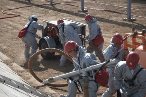 В Черноземельском районе прошли учения МЧС по ликвидации разлива нефтепродуктов