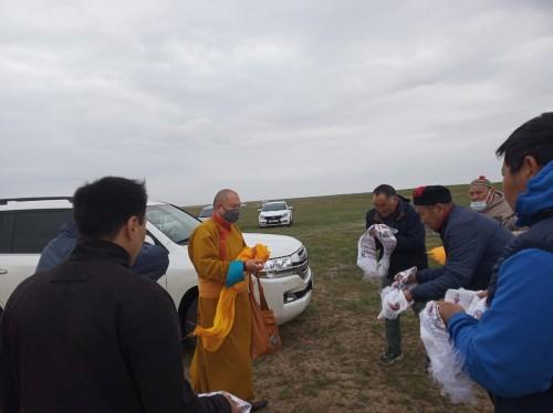 Шаджин лама Калмыкии провел в Лагани большой ритуал подношения Бурханам, очищения и благословения местности на кургане Чиндртя