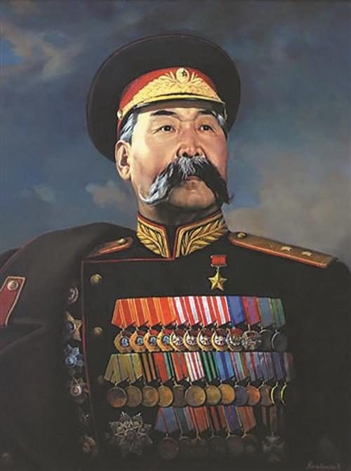 В Калининградской области именем Басана Бадьминовича Городовикова назвали площадь