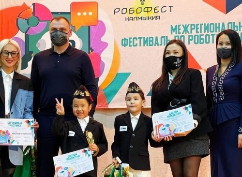 В стенах Русской национальной гимназии завершился межрегиональный фестиваль «Робофест – инженеры будущего»