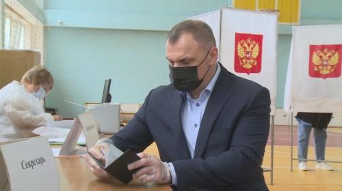 Юрий Зайцев сегодня сделал выбор на избирательном участке № 48