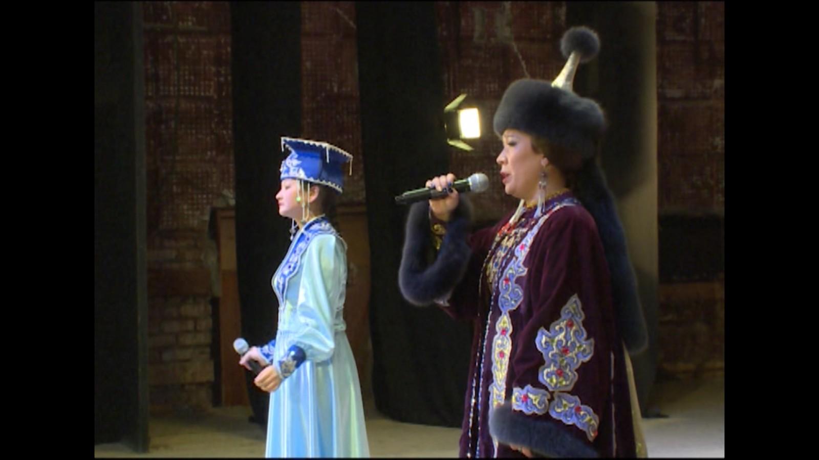 Большой часовой концерт для жителей региона к Новому году готовит Национальный оркестр Калмыкии