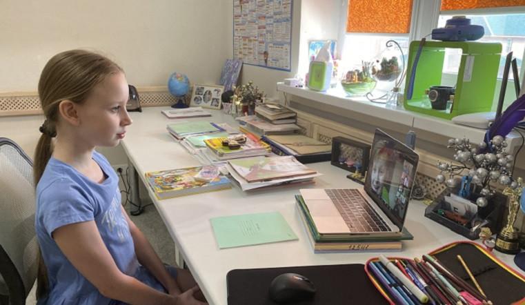 Завтра школьники Калмыкии возобновят учебный процесс в непривычном для себя режиме