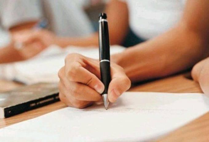 Сроки написания итогового сочинения для 11-классников перенесены на 5 апреля 2021 года