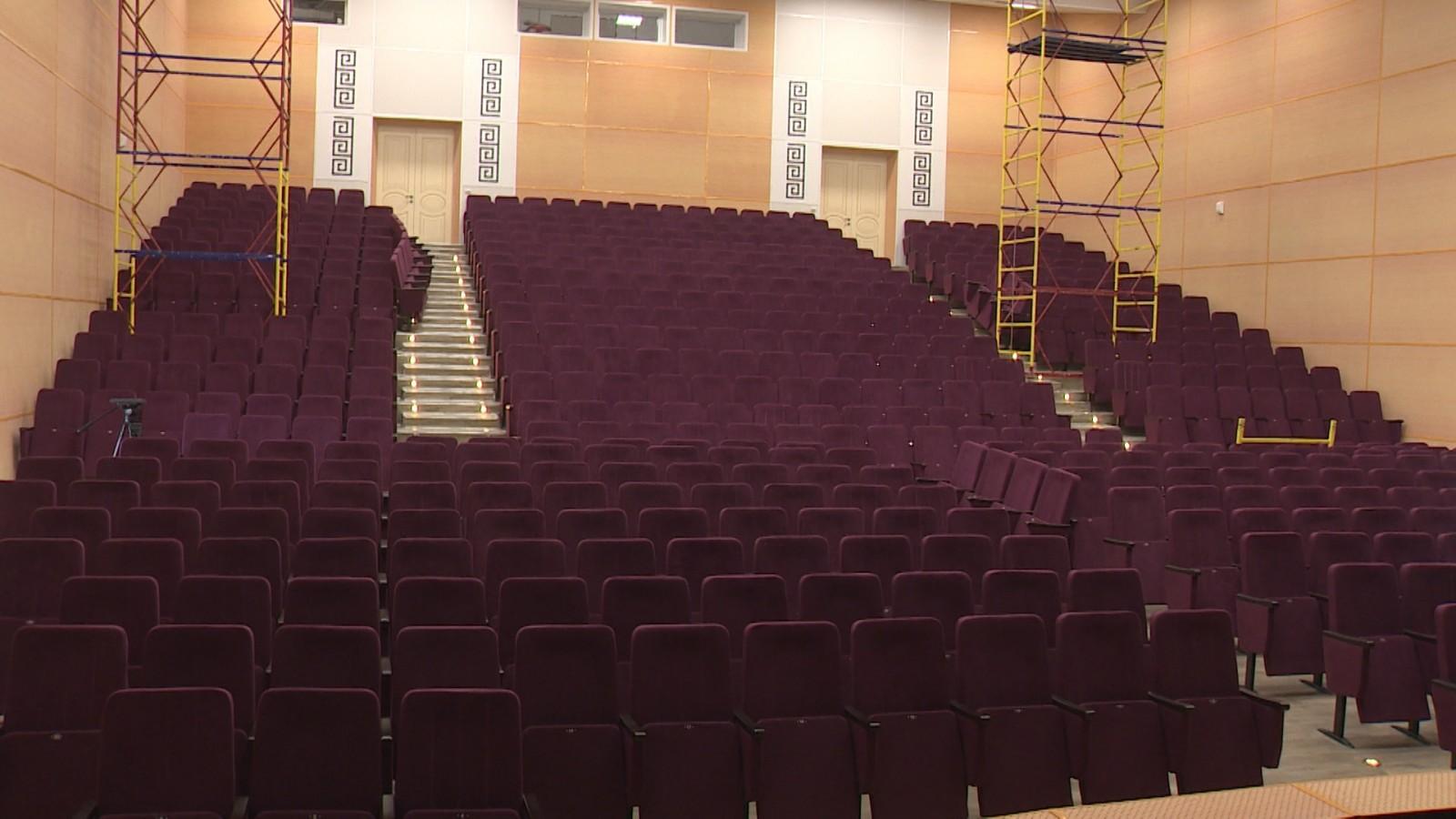 Ремонт главного концертного зала Калмыкии в завершающей стадии