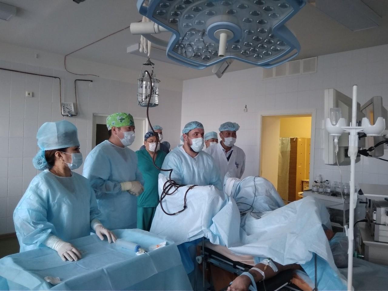В Республиканской больнице внедряются новейшие методы лечения онкоурологических заболеваний
