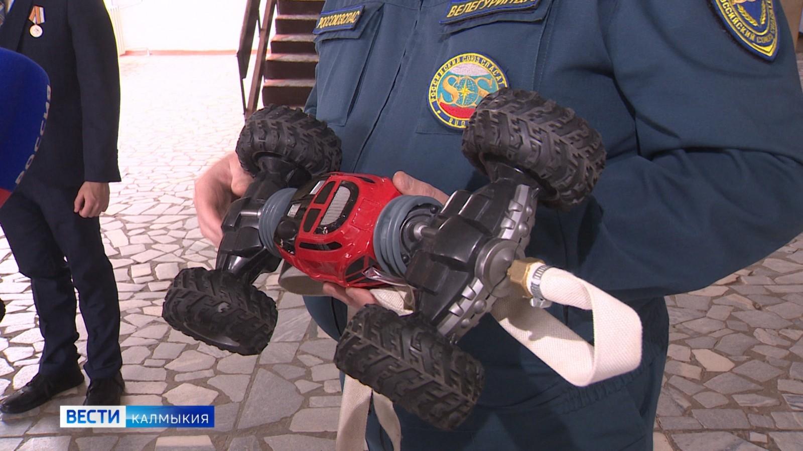 В Калмыкии создан пожарный робот-манипулятор