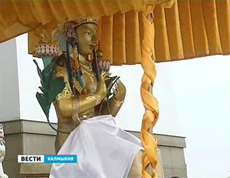 В центральном хуруле Калмыкии приняли однодневный обет Махаяны