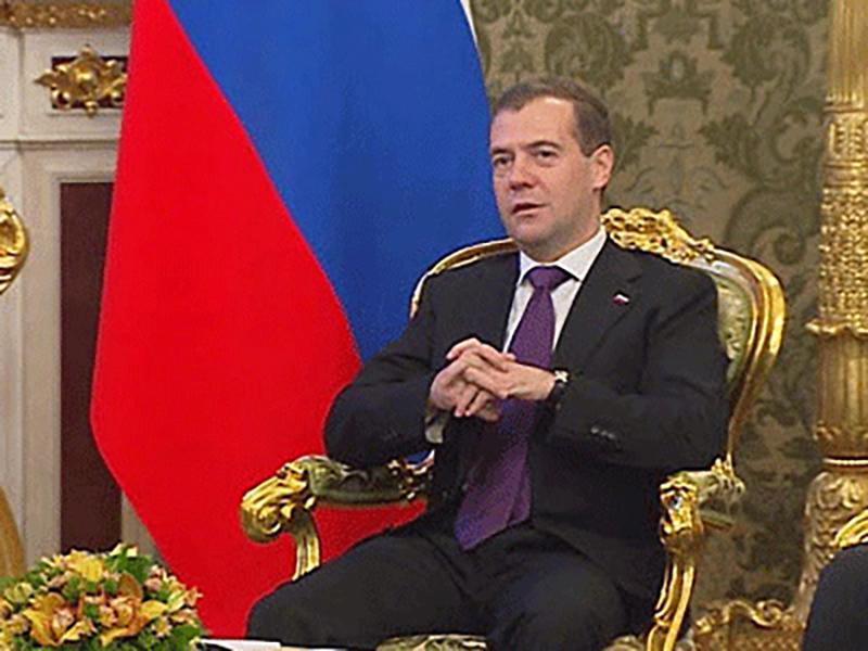 """Дмитрий Медведев призвал """"Единую Россию"""" больше внимания уделять решению жилищных проблем граждан"""