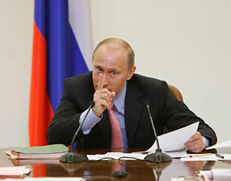 """Путин предложил сформировать """"дорожные карты"""" по выполнению предвыборных обещаний"""