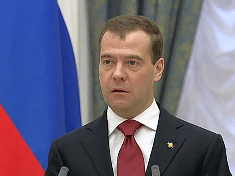 Медведев: политсистема России будет развиваться независимо от того, кто руководит страной