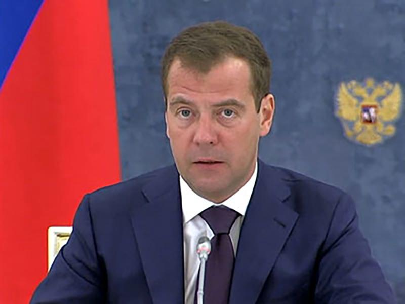 Медведев: предприятия космической отрасли должны отвечать за брак имуществом