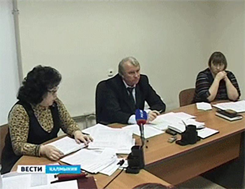 Председатель Элистинской территориальной комиссии отстранена от должности
