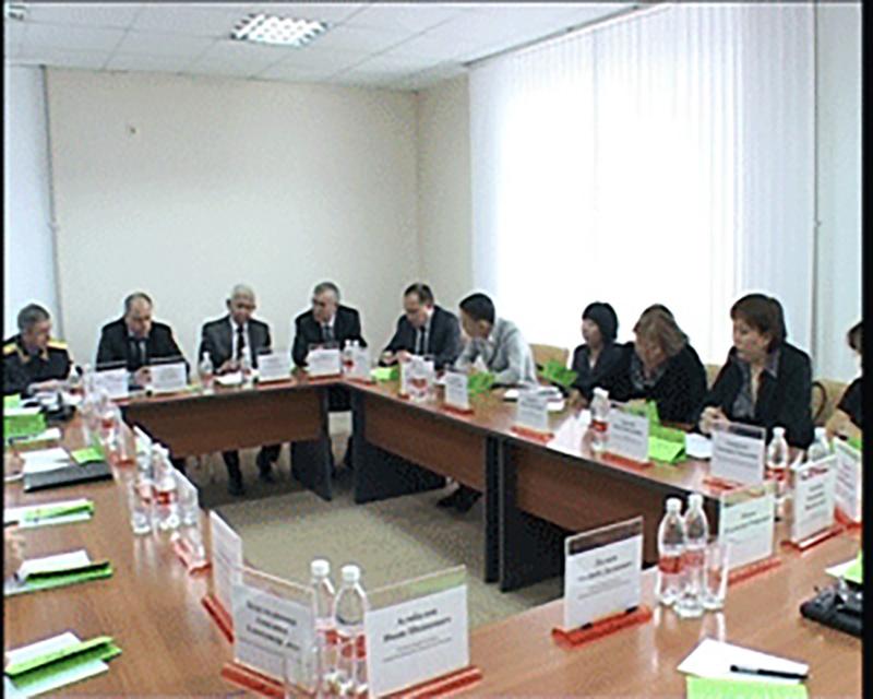 Минюстом Калмыкии проведен круглый стол по вопросам противодействия коррупции